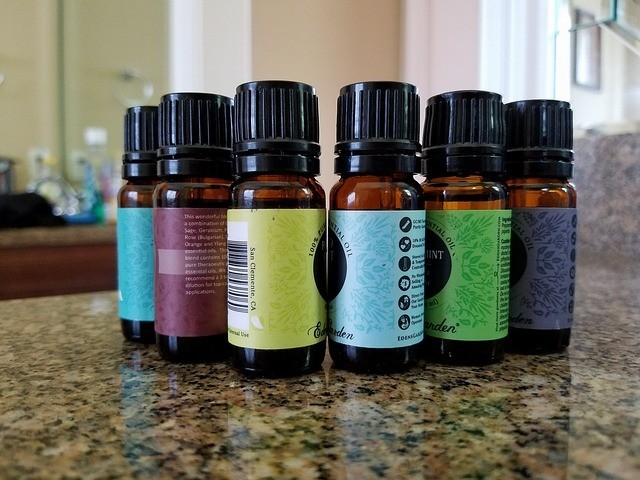 essential oil bottles glass